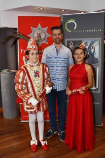 Pressekonferenz und Kleiderübergabe an die Kinder-Venetia